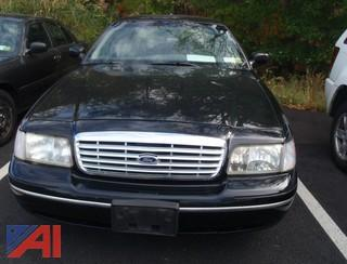 (#33) 1998 Ford Crown Victoria 4 Door/Police Interceptor