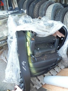 (#33) 2018 Ford Explorer Rear Seat and Door Panels