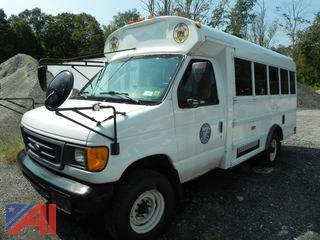 (#1) 2006 Ford E350 Super Duty Wheelchair Bus