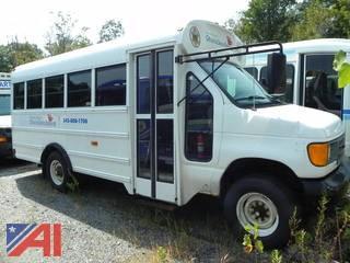 (#18) 2006 Ford E350 Super Duty Bus