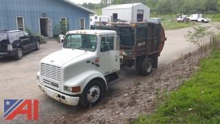 2000 International 4700 Garbage Truck