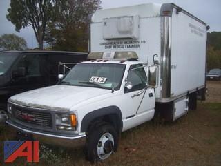 1999 GMC Sierra Classic 3500 Refer Box Truck