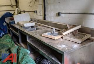 Stainless Steel Counter & Sinks