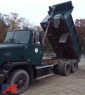 1993 White ACL Dump Truck