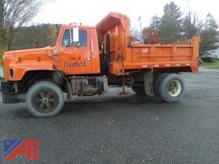 2000 International 2674 Dump Truck with Plow
