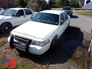 2011 Ford Crown Victoria Sedan/Police Emergency Vehicle