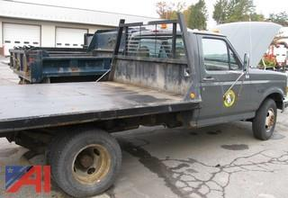 1997 Ford F350 XL Flat Bed Truck