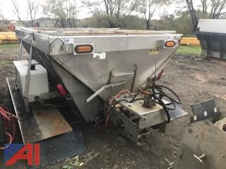 2004 5 Yd Smith Stainless Steel Hydraulic Spreader