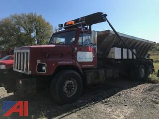 2002 International F2674 Roll-Off Truck