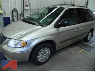 2005 Chrysler Town and Country LX Van