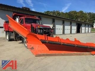 2001 International 2574 Dump Truck with Plow and Wing