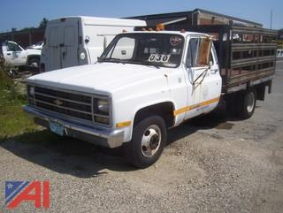 1989 Chevy R3500 Rack Body with Lift Gate