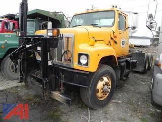 2001 International 2574 Truck