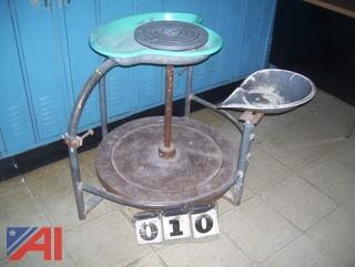 Potters Spinner Table