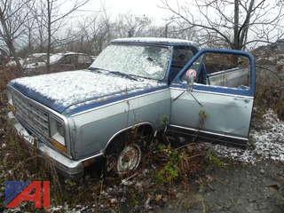 (#1) 1986 Dodge D150 Pickup Truck