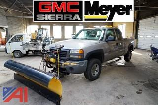2005 GMC 2500 HD 4x4 Extended Cab Pickup Truck with Plow