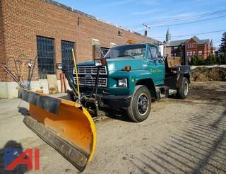 1987 Ford 600 Heil Lugger Truck with Plow
