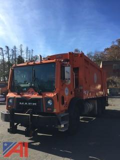 2009 Mack MRU Packer Truck
