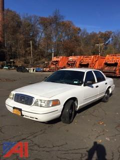2000 Ford Crown Victoria Sedan