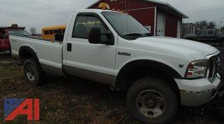 2005 Ford F350 XLT Super Duty Pickup Truck with Plow