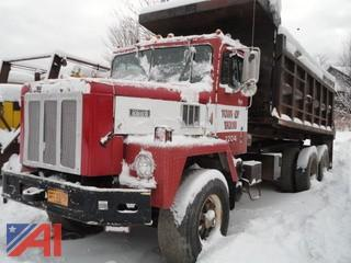 1974 International Paystar 5000 Dump Truck