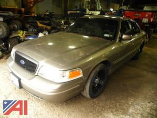 2001 Ford Crown Victoria 4 Door/Police Interceptor