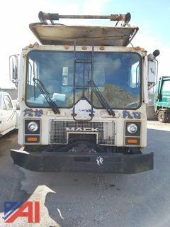 2005 Mack RD688S Front Load Garbage Truck