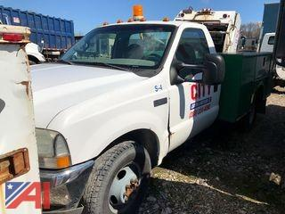 2002 Ford F350 XL Super Duty Utility Truck with Lift Gate