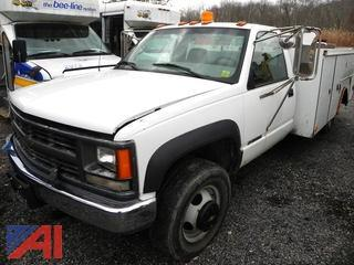 (#7) 2000 Chevy C/K 3500 Utility Truck with Lift