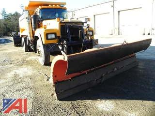 (#12) 1997 Mack RD690P Dump Truck with Plow