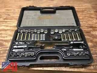 (#8) Ratchet and Socket Set