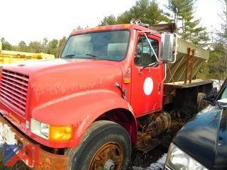 1990 International 4900 Truck with Sander
