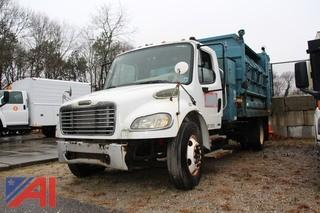 2006 Freightliner M2106 Truck