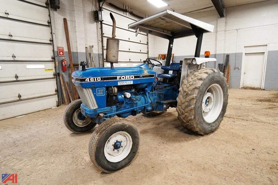 Auctions International Auction Town Of Jerusalem Hwy Ny 20916 Item 1988 Ford New Holland 4610 Tractor