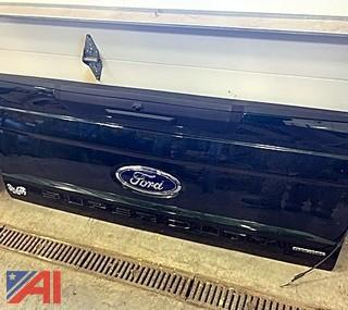 Ford Tailgate from a Ford 2019 F350  Pickup Truck