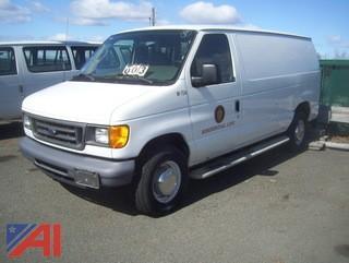 2006 Ford E250 Van #M734