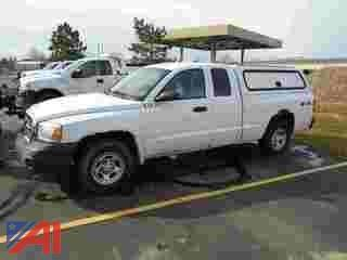 2007 Dodge Dakota Extended Cab Pickup Truck with Cap