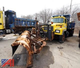 1996 Mack RD688P Dump Truck with Plow/207