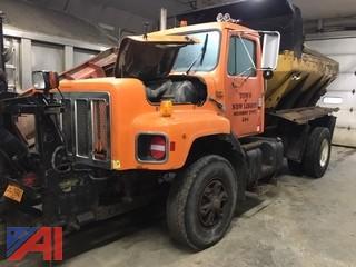 1997 International 2674 Truck with Sander