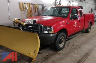 2003 Ford F250 Super Duty Utility Truck with Plow