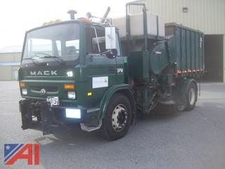 1999 Mack/Reneault MS300P Vac All by Leach Truck