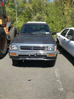 1993 Toyota DLX Pickup Truck with Cap (Parts Only)
