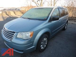 2009 Chrysler Town & Country LX Mini Van