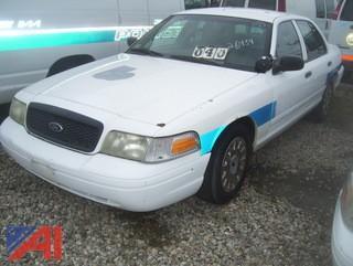 2003 Ford Crown Victoria Sedan