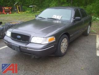2011 Ford Crown Victoria 4 Door/ Police Interceptor