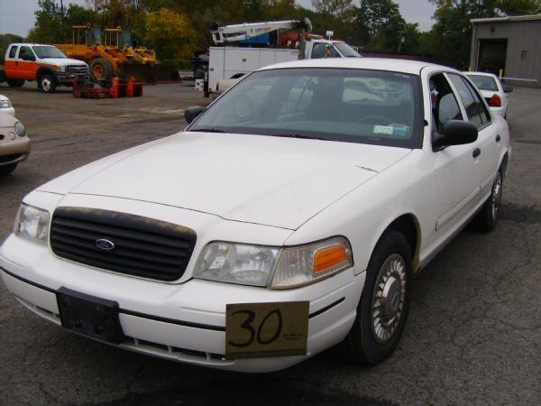 ford crown victoria 2000 engine