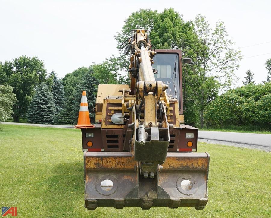 cruz air  escavatore gommato case drott 50801_5005623