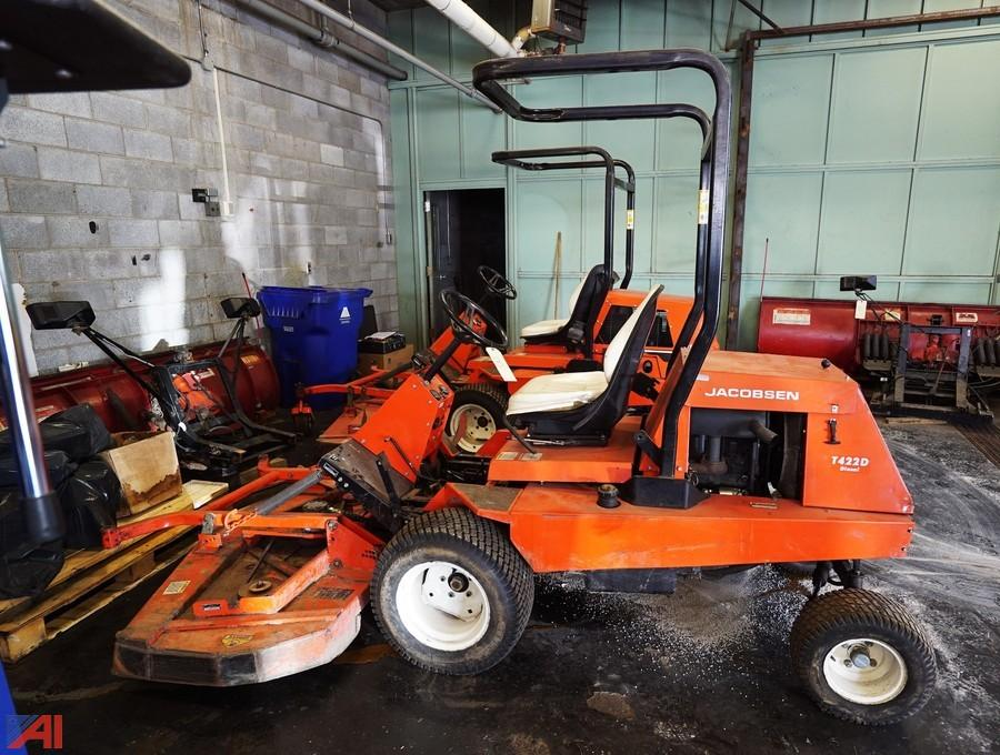 auctions international auction niagara falls csd surplus 8476 rh auctionsinternational com jacobsen turfcat t422d parts manual Jacobsen Turfcat 628D