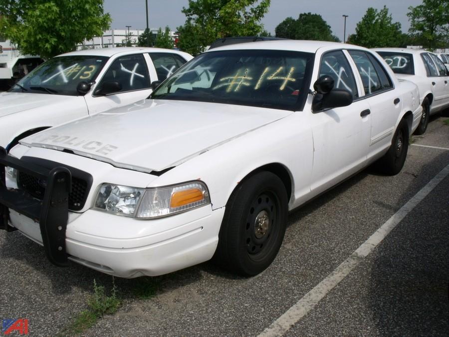 auctions international auction nassau county fleet 8477 item 2009 ford crown victoria sedan. Black Bedroom Furniture Sets. Home Design Ideas