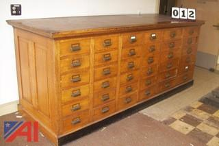 Large wooden counter/drawer unit